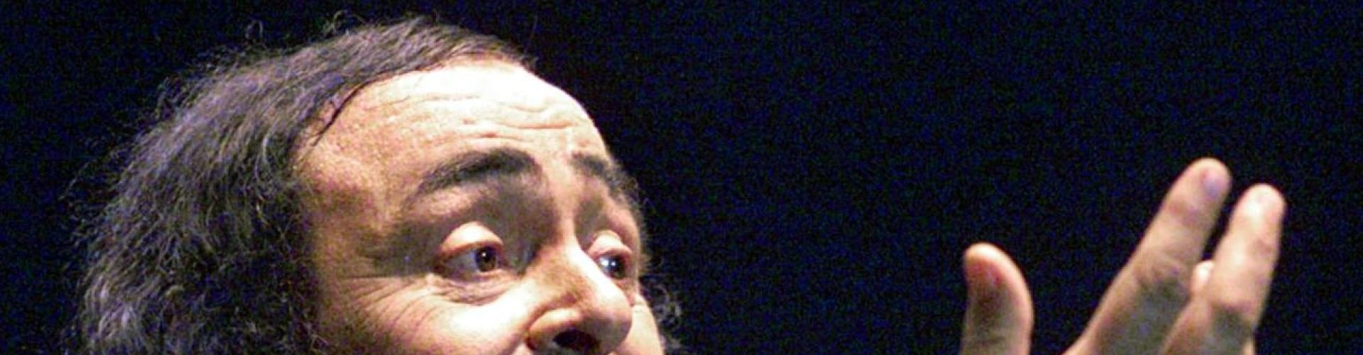 Watch Pavarotti - Live In Barcelona Online