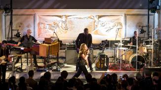 Alanis Morissette: Live... image