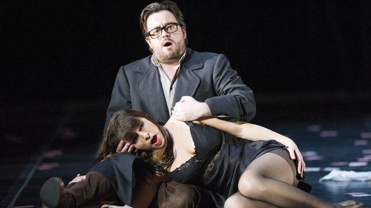 Watch La Traviata on Sydney Harbour Online