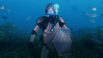 Andrew Mayne: Ghost Diver
