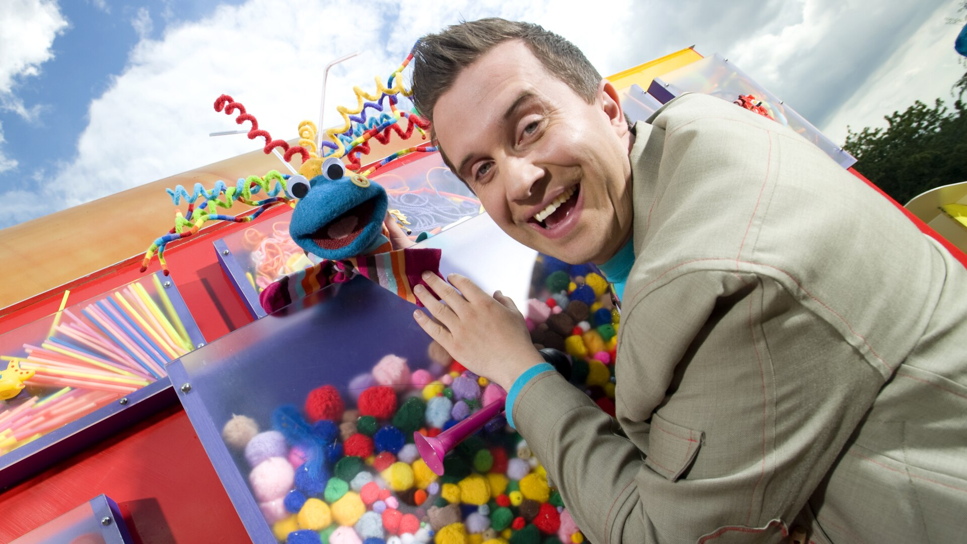 Mister Maker Comes To Town 11
