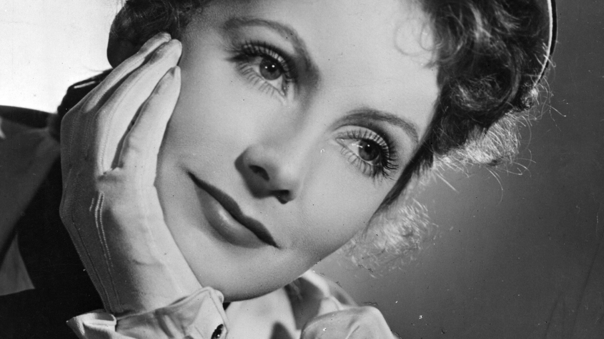 Discovering: Greta Garbo