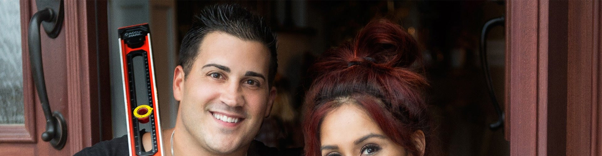 Watch Nicole & Jionni's Shore Flip Online