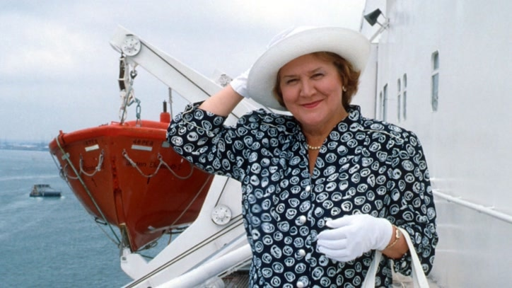 Watch Keeping Up Appearances:Sea Fever Online