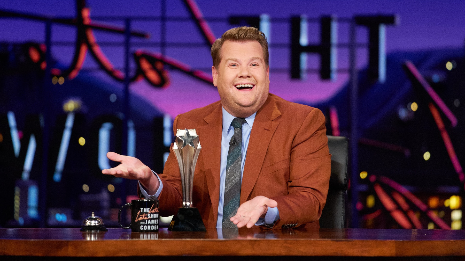 Late Late Show With James Corden  84