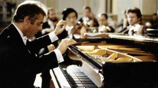 Daniel Barenboim Plays Mozart image