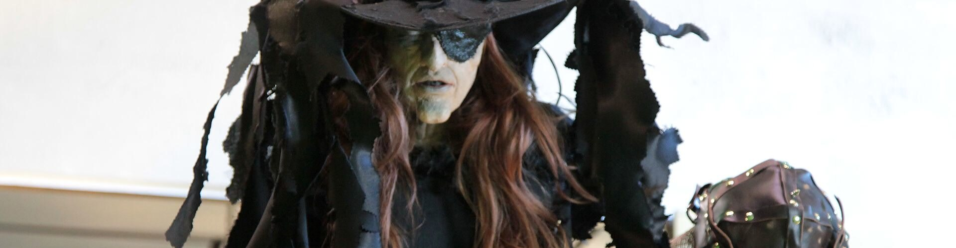 Watch The Witches of Oz Online