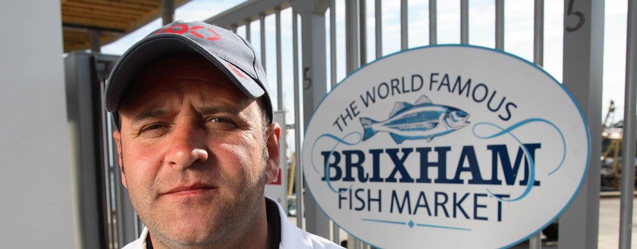 Watch Fish Town Online