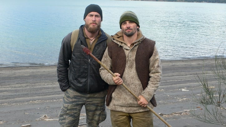 Watch Dual Survival Online