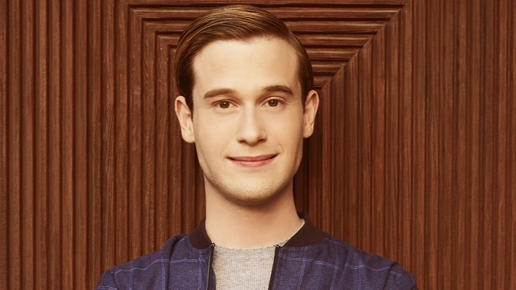 Watch Hollywood Medium with Tyler Henry Online